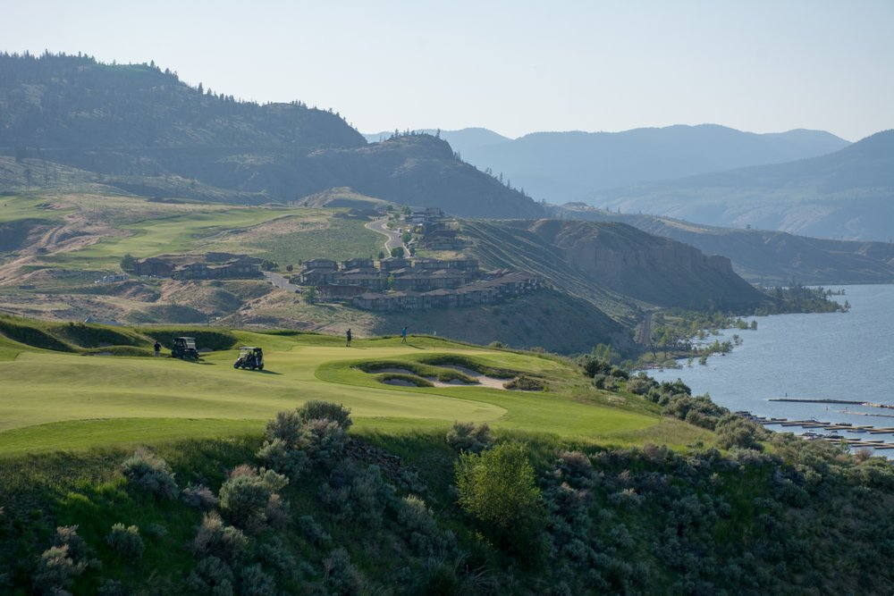 tobiano mid week golf
